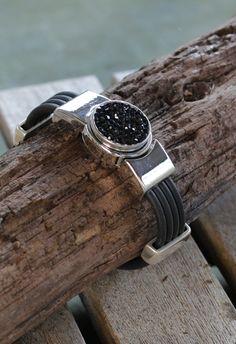 Bracelet pression fermoir magnétique.