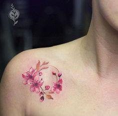 . . Kirschblüten sind nicht nur im Asia-Style beliebt Freunde bunter Blumenwelten kennen die bedeutungsvollen Kirschblüten nur zu gut. Im Japanischen Design steht sie gerne für den Neubeginn nach einer schweren Krankheit oder das Andenken an eine verlorene Liebe. Erstaunlicherweise wird die Kirs…