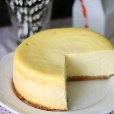 New Yorkin juustokakku Sweet Pastries, Diy Food, Cheesecakes, Cooking Time, Baked Goods, Sweet Recipes, Food To Make, Sweet Tooth, Bakery