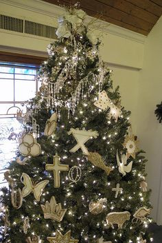chrismon tree ornaments made with styrofoam and gold trims diy christmas decorations church decorations
