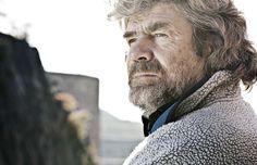 Reinhold Messner completa prima traversata in solitaria dell'attico di Bertone