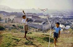 Photographic Print: Young Boys Flying Kites in Durban, Africa 1960 by Grey Villet : Dublin, Rome, Cities In Africa, Le Cap, Victoria Falls, Most Beautiful Cities, Cape Town, Town Town, Old City