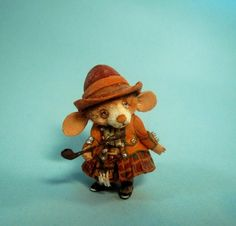 Aleah Klay Studio: Miniature Mouse Irish w/ kilt and Pipe going to Ebay tonight 6PM EST