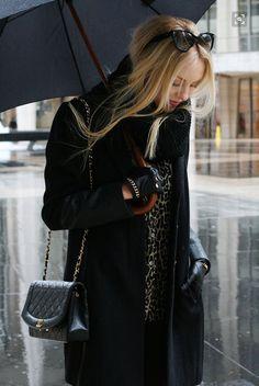 Shea Marie, of Cheyenne Meets Chanel Rainy Outfit, Moda Barcelona, Look Fashion, Womens Fashion, Fall Fashion, High Fashion, Looks Street Style, Winter Looks, Outfits