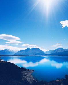 This lake is too blue to be true  #newzealand #lakepukaki #NZmustdo #wanderlustnz #southislandnz #adventures