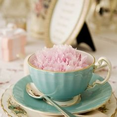 Gorgeous vintage tea cups...beautiful to sip from and even more fun to collect!