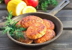 Quick & Easy Salmon Cakes made with canned salmon are a family favorite - about 253 calories and 3 Weight Watchers Freestyle SmartPoints each!