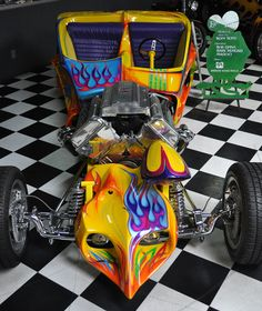 "a car guy : Ed ""Big Daddy"" Roth tribute trike and tribute car are in an unlikely location, the Justice Brothers museum Weird Cars, Cool Cars, Classic Motors, Classic Cars, Art Steampunk, Unique Cars, Big Daddy, Car Humor, Kustom"