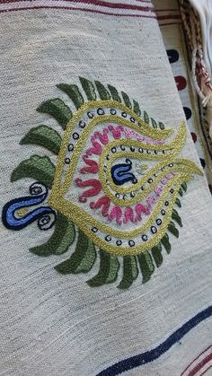 Tambour Embroidery, Silk Ribbon Embroidery, Hand Embroidery Designs, Dress Neck Designs, Embroidery Techniques, Chain Stitch, Hand Stitching, Fiber Art, Diy And Crafts