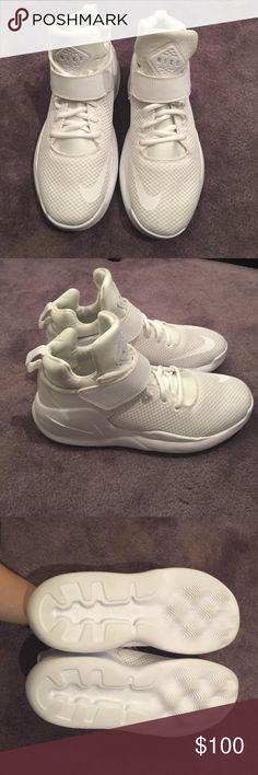 NWOT White Nike Kwazi sneakers FINAL SALE! NWOT White Nike Kwazi sneakers. Never worn but missing original box. Nike Shoes Sneakers