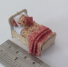 Dolls House Miniatures  Hand Painted 1/48th por LittleHouseAtPriory