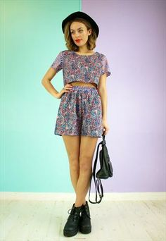 CUTE VINTAGE TWO PIECE TWIN SET CO-ORD SET IN PAISLEY PRINT