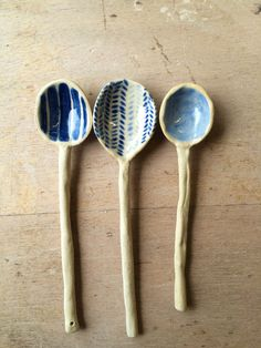 Handmade Ceramic Spoon Handpainted Herringbone Pattern in Blue and White - Keramik Ceramic Spoons, Stoneware Clay, Ceramic Clay, Ceramic Painting, Ceramic Pottery, Glazed Ceramic, Ceramics Projects, Clay Projects, Clay Crafts