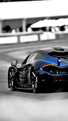 #McLaren #P1 - Just look at those curves! #ModernClassic #SuperCar #Style #Design #Cars #CarShowSafari
