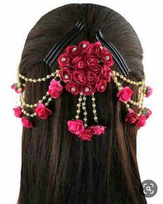 Jewelry Design Earrings, Hair Jewelry, Jewelry Art, Flower Hair Accessories, Bridal Accessories, Jewelry Accessories, Flower Jewellery For Mehndi, Flower Jewelry, Diamond Jewellery