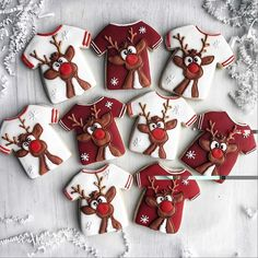 Holiday Recipes Christmas Desserts Gingerbread Cake Ideas For 2019 Cute Christmas Cookies, Easy Christmas Cookie Recipes, Christmas Biscuits, Iced Cookies, Cute Cookies, Noel Christmas, Holiday Cookies, Christmas Baking, Simple Christmas