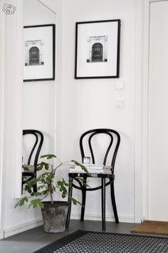 Öglan stolar, taklampa hektar, norrnäs stolar | Mölndal