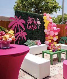 cutest flamingo baby shower set up! Flamingo Baby Shower, Flamingo Birthday, Flamingo Party, Halloween Party Decor, Birthday Party Decorations, Party Themes, Birthday Ideas, Party Ideas, Baby Shower Themes