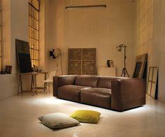 Prostoria Cloud Ledersofa - Als 2 oder 3 Sitzer - Handmade in Kroatien #sofa #Couch #Ledersofa #Ledercouch #Wohnzimmer #livingroom #einrichten #wohnen #home #Inneneinrichtung #interiordesign #wohntrend #modern #minimalistisch #Leder #Möbel #Design