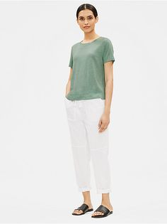 Shop our collection of womens tops and tees for an effortlessly casual look. Available in silk, organic linen, and organic cotton. Interview Shoes, Clothes For Sale, Clothes For Women, Eileen Fisher, Casual Looks, Organic Cotton, Normcore, Tunic Tops, Tees
