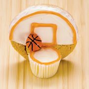 cupake at the front, cookie at the back - too awesome! Great for a sports themed party