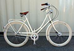 cream vintage cruiser bike