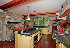 The kitchen and dining room were in such poor shape that they had to be completely redone, allowing the Neiblums to run ductwork under the floors.