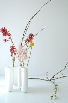 call it contemporary/careless ikebana - dipvase by GOODS