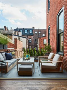 A Historic Philadelphia Townhouse Undergoes a Modern Revival Photos | Architectural Digest