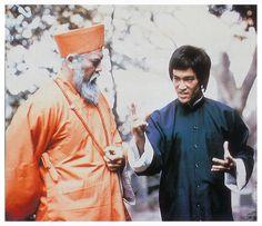 Bruce Lee Master, Bruce Lee Photos, Martial Arts Movies, Enter The Dragon, Samurai Jack, Actors, Boxing, Rare Photos, Bruce Lee Pictures