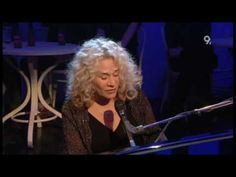 Carole King - So Far Away (Live Jools Holland 2009) Awesome!