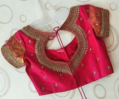 Blouse Designs Saree Blouse Neck Designs Wedding Saree 30 Latest Trending Silk Saree Blouse Designs 2019 Update Creative Back Neck Designs For Silk Saree Blouses Silk 15 Traditional Blouse Back Neck D Indian Blouse Designs, Pattu Saree Blouse Designs, Simple Blouse Designs, Stylish Blouse Design, Bridal Blouse Designs, Blouse Silk Saree, Blouse Designs Embroidery, Neck Designs For Blouse, Latest Blouse Designs