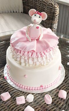Angelina Ballerina Cake for a birthday party!  www.sokerimuruja.fi anniinaballeriinakakku2.png 600×971 pikseliä