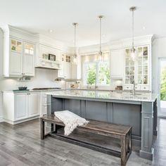 A kitchen llgance classic Kitchen Decor, Kitchen Design, Kitchen Ideas, Classic Kitchen, Modern Decor, Interior Inspiration, Kitchen Island, Sweet Home, Designer