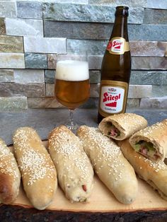Brot/Weckerl - Backen macht GLÜCKlich - Stoibergut Baileys Irish Cream, Bread Bun, Party Buffet, Party Snacks, Bread Baking, Hot Dog Buns, Finger Foods, Cravings, Nom Nom