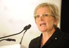La gestion du Vieux-Port de Montréal - les politiciens demandent une enquête sur les dépenses de la directrice Claude Benoit...  http://www.journaldemontreal.com/2012/04/25/une-guerre-a-finir