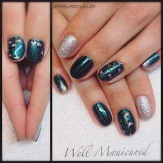 Tickle me teal! Gel color: #RaceYoutotheBottom by #gelish & glitter by #lightelegance. #wellmanicured #nails #nailart