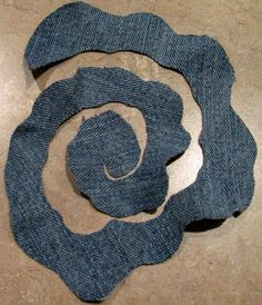 How to make flowers out of denim? 2019 Цветы из джинсовой ткани The post How to make flowers out of denim? 2019 appeared first on Denim Diy. Denim Flowers, Cloth Flowers, Burlap Flowers, Felt Flowers, Fabric Flowers, Bouquet Flowers, Paper Flowers, Beautiful Flowers, Wedding Flowers