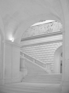 Great art in Nantes Architecture Details, Interior Architecture, Interior Design, Beautiful Buildings, Beautiful Places, Nantes France, Belle Villa, Stairway To Heaven, Grand Staircase