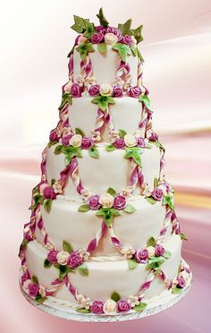 "pretty wedding cake."" I do not know anything about this cake I just collect pictures of cakes."" ew"