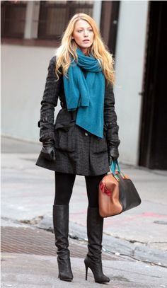 Love all the black paired with the scarf and the handbag (!). Blake Lively on the set of Gossip Girl in NYC.