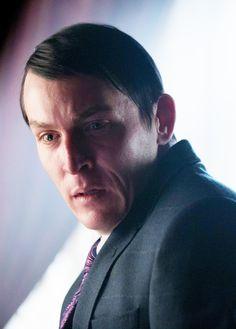 Gotham 2x16 - Penguin (Robin Lord Taylor) HQ