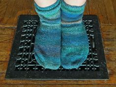 Another pair of socks done! I didnt plan on it but I went back and made a match to that first sample sock I knit. If you remember that first sock was so huge that Matt with his bear paws could wear them so that why they look so baggy and more like slippers on me. (Slightly altered pattern from #knittingpureandsimple yarn by #kroyyarn)