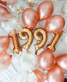 25th Birthday Ideas For Her, 29th Birthday Parties, 30th Birthday Themes, Adult Birthday Party, Birthday Woman, 30th Birthday Decorations, 30 Birthday Balloons, 28th Birthday Quotes, Birthday Photoshoot Ideas