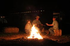 After Barenbergs performance, picking continued in both the farmhouse and around a bonfire. It was the perfect way to wind down after a great evening of music and food. - Fretboard Journal Gathering