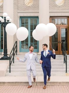 Two Grooms Holding Wedding Balloons | #grooms #samesexwedding #lgbtwedding #lgbtqwedding #weddingballoons #weddingdecor #weddingideas #weddingphotography Bride Portrait, Wedding Portraits, Wedding Photos, Groomsmen Fashion, Groom And Groomsmen, Wedding Photography Styles, Creative Wedding Photography, Wedding Photography Inspiration, Wedding Inspiration
