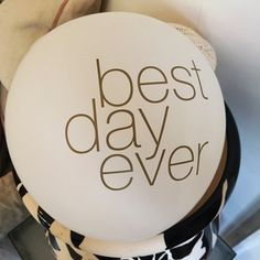 In a couple breaths you can let everyone know you're having the Best Day Ever with this simple white and gold balloon.