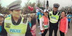 #HeyUnik  Bikin Heboh.....Polisi Ganteng Diajak Selfie Ratusan Wanita, Lomba Lari Marathon… #Militer #Olahraga #Sosial #YangUnikEmangAsyik
