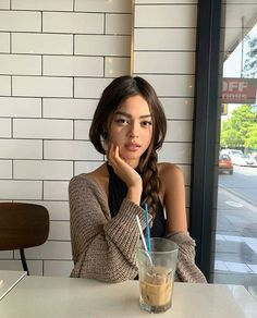 Wish you could get Vietnamese coffee in all cafes 🤤 Milky Way Photography, Cute Photography, Lily Maymac, Sitting Poses, Live Girls, Insta Photo Ideas, How To Pose, Tumblr Girls, Ulzzang Girl