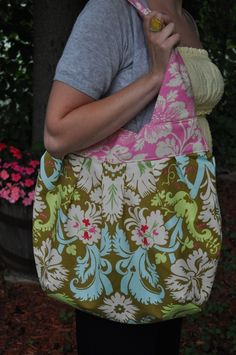 Easy to follow sewing tutorials..lots of great patterns and pictures! Even better!!
